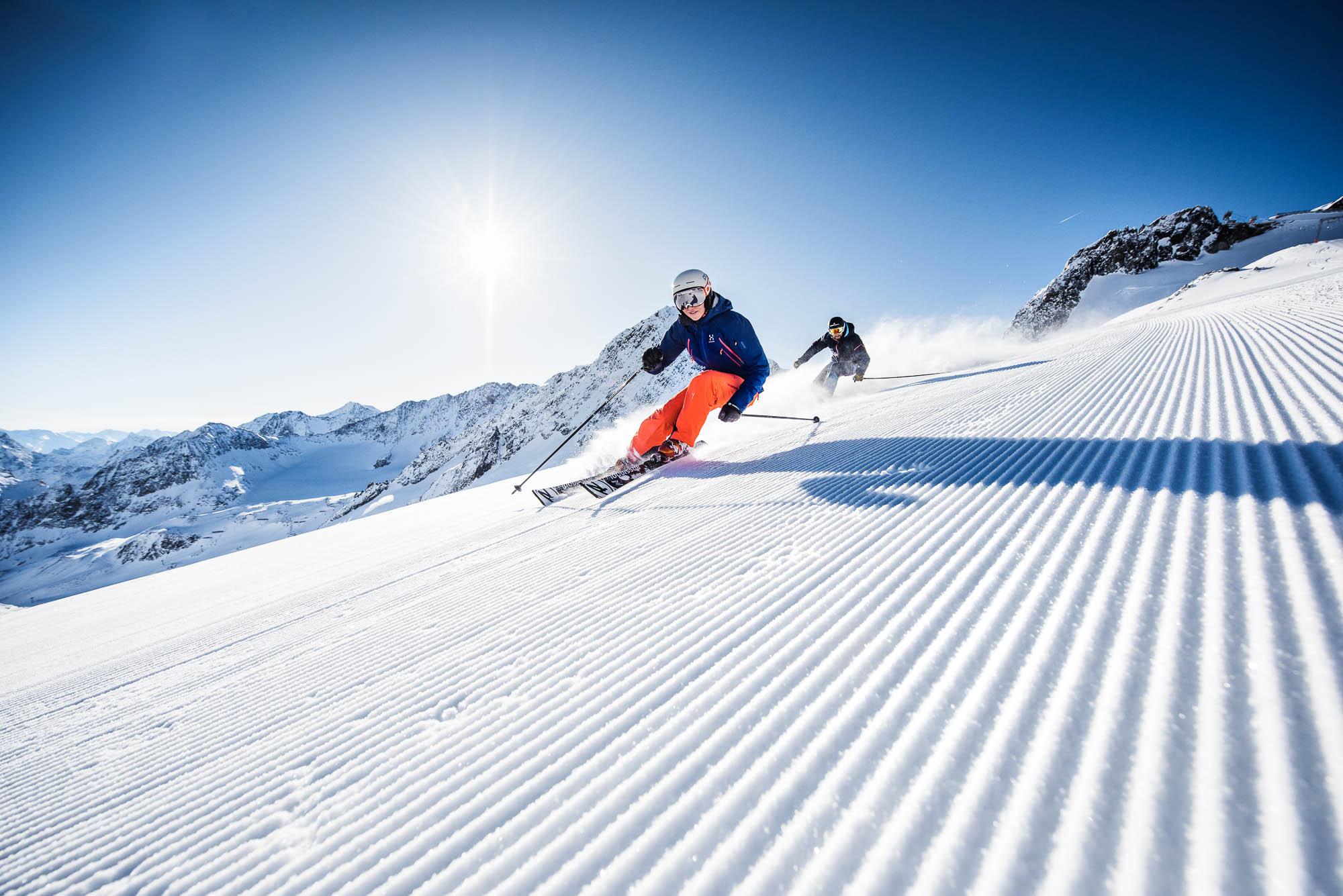 stubaier-gletscher_andre-schonherr_koniglich-skifahren_web-5